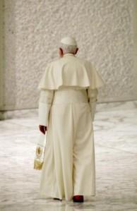 Papa Benedetto XVI  lascia il soglio di Pietro